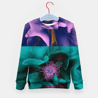 Thumbnail image of Blossoming rose collage, duotone effect Kid's sweater, Live Heroes