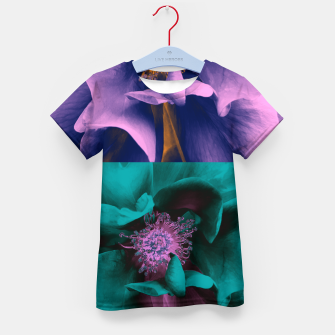 Thumbnail image of Blossoming rose collage, duotone effect Kid's t-shirt, Live Heroes