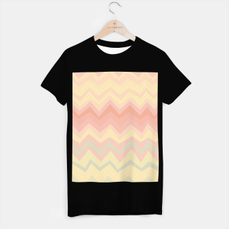 Miniatur Deformed chevron pattern, geometric print in soft pastel colors T-shirt regular, Live Heroes