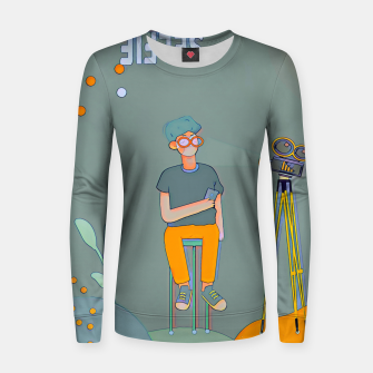 Thumbnail image of Selfie Women sweater, Live Heroes