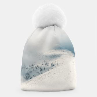 Miniature de image de Clouds clearing above spruce forest and snowy mountains Beanie, Live Heroes