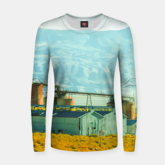 Miniatur road trip with countryside view and mountains background in California Women sweater, Live Heroes