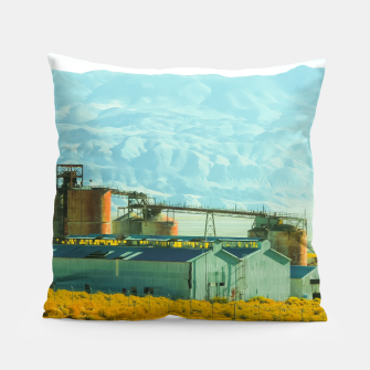 Miniatur road trip with countryside view and mountains background in California Pillow, Live Heroes