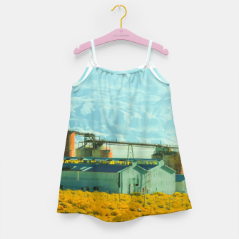 Miniatur road trip with countryside view and mountains background in California Girl's dress, Live Heroes