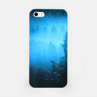 Miniatur Magical fog in snowy spruce forest iPhone Case, Live Heroes