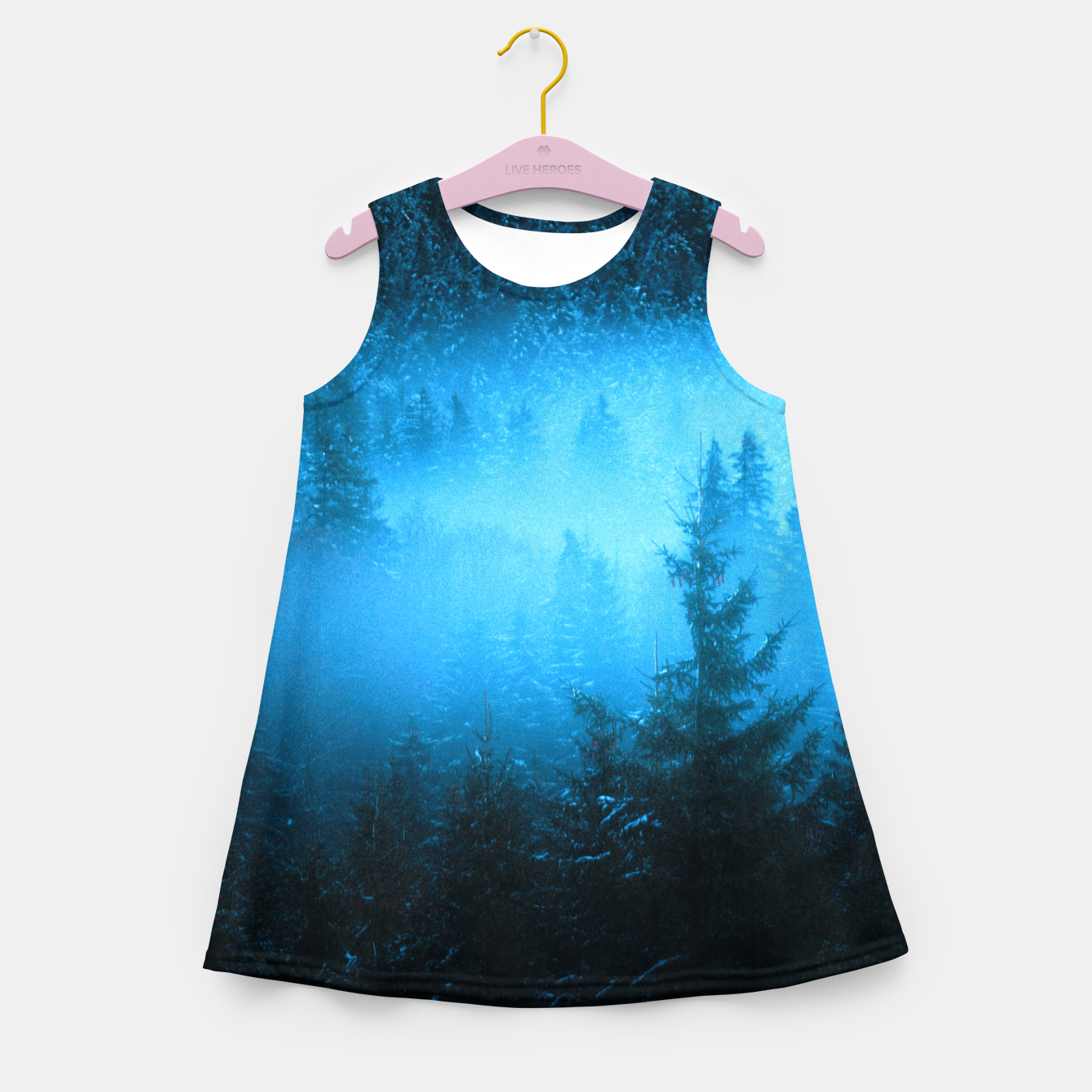 Foto Magical fog in snowy spruce forest Girl's summer dress - Live Heroes