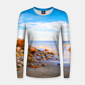 Miniatur sandy beach with blue cloudy sky in summer Women sweater, Live Heroes