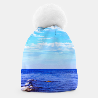 Miniatur blue ocean view with blue cloudy sky in summer Beanie, Live Heroes