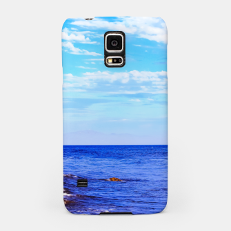 Miniatur blue ocean view with blue cloudy sky in summer Samsung Case, Live Heroes