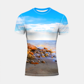 Miniatur sandy beach with blue cloudy sky in summer Shortsleeve rashguard, Live Heroes