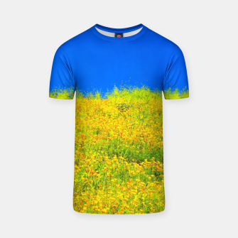Miniatur yellow poppy flower field with green leaf and clear blue sky T-shirt, Live Heroes