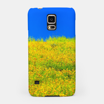 Miniatur yellow poppy flower field with green leaf and clear blue sky Samsung Case, Live Heroes