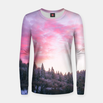 Magical bright pink sunset above snowy forest Women sweater Bild der Miniatur