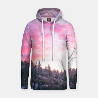 Magical bright pink sunset above snowy forest Hoodie Bild der Miniatur