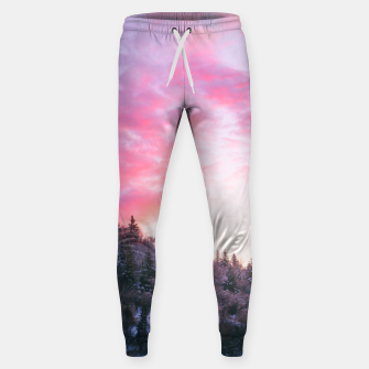 Magical bright pink sunset above snowy forest Sweatpants Bild der Miniatur