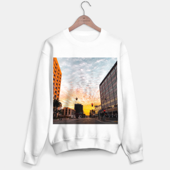 Miniatur city sunrise at Encino, Los Angeles, USA Sweater regular, Live Heroes
