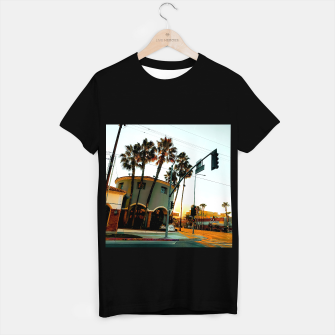 Miniatur road in the city with sunrise sky at Encino, Los Angeles, USA T-shirt regular, Live Heroes