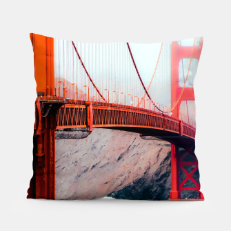 Miniatur Boat and bridge view at Golden Gate Bridge, San Francisco, USA Pillow, Live Heroes