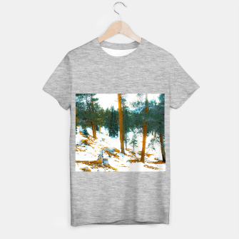 Miniature de image de green pine tree in winter with snow at Palm Springs Aerial Tramway, California, USA T-shirt regular, Live Heroes