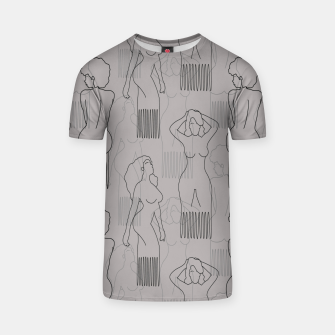 Thumbnail image of Black woman-shaped comb on grey Camiseta, Live Heroes