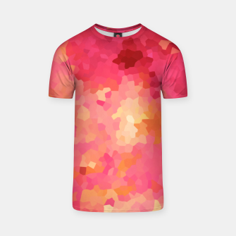 Imagen en miniatura de Hot fuchsia poly shape, mosaic abstract background, polygon geometry in bright colors T-shirt, Live Heroes