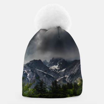 Imagen en miniatura de Stormy skies above mountains and spring forest Beanie, Live Heroes