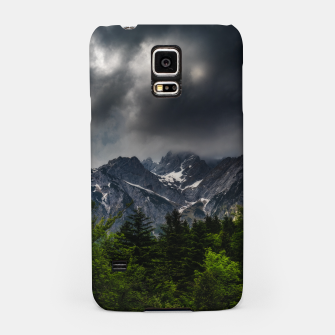 Miniaturka Stormy skies above mountains and spring forest Samsung Case, Live Heroes