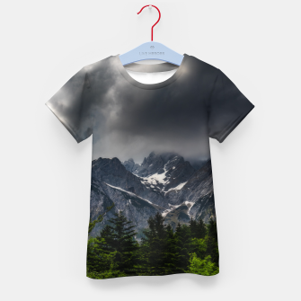 Miniatur Stormy skies above mountains and spring forest Kid's t-shirt, Live Heroes