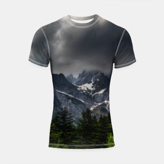 Imagen en miniatura de Stormy skies above mountains and spring forest Shortsleeve rashguard, Live Heroes